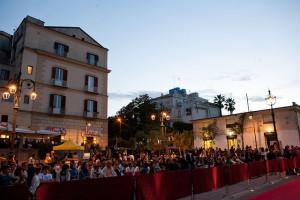 Vista di piazza Mercato in una delle serate del festival